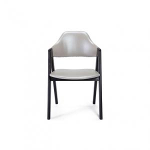 理想空間 – 真皮餐椅