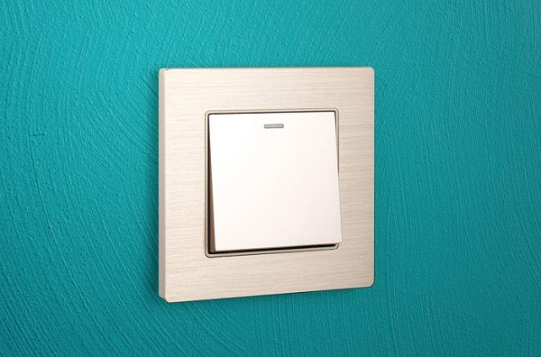 KENSO – 金屬拉絲面板(必需配合功能件才能使用)