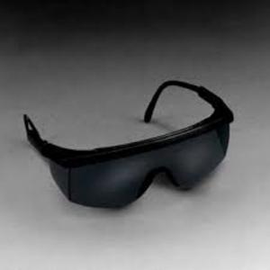 3M – 防護眼鏡1712 (黑框,茶色鏡片)